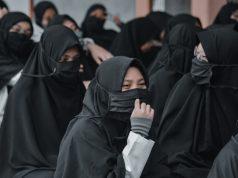 hukum wanita shalat di masjid